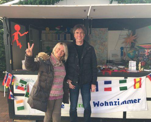 Lena und Michael freuen sich auf den Tag auf dem Gütersloher Weihnachtsmarkt.